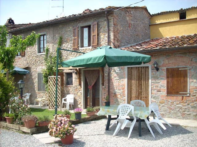 Corte Pincione 1 - Montecarlo - House