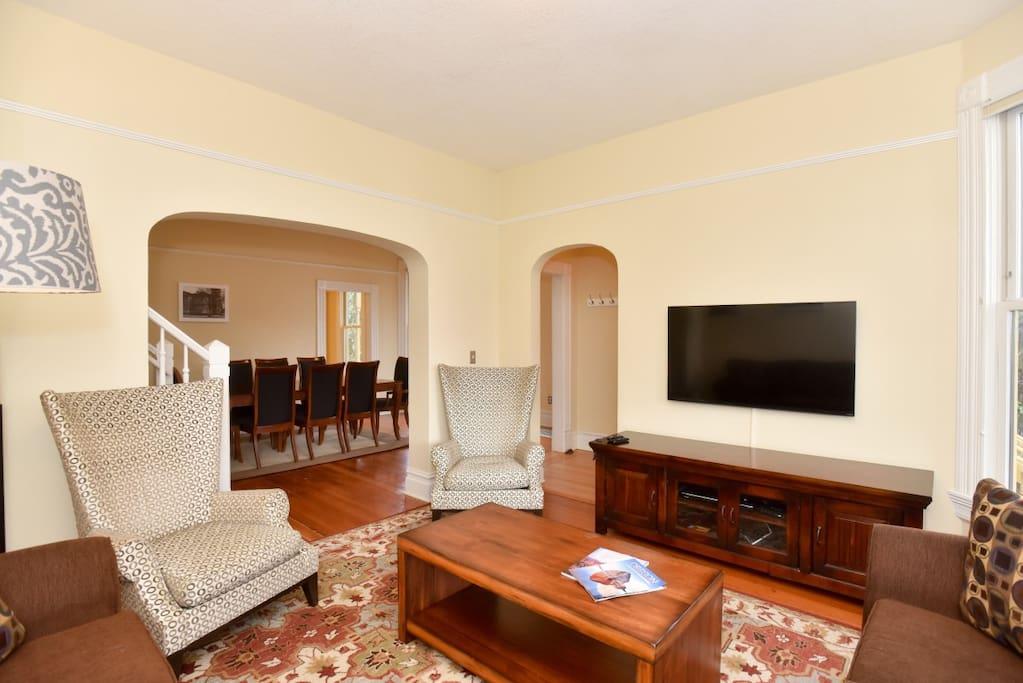 Living Room Pic#2
