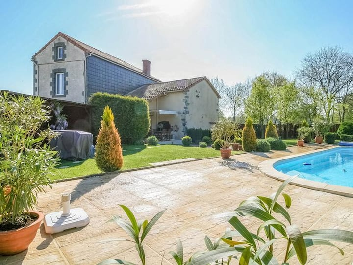 A fabulous, confortable Chateau with a Heated Pool