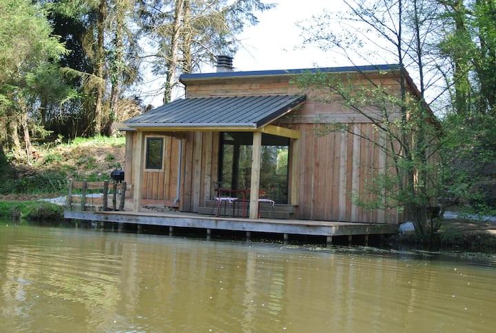 GoGreen Holiday Lakeside Cabin
