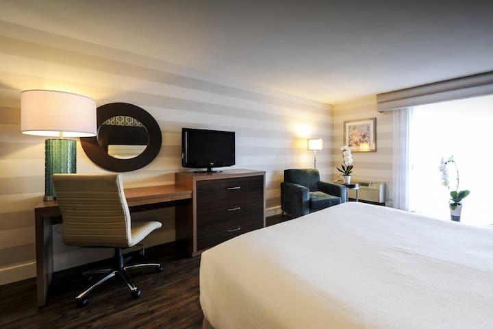 Cosy Double Bed At Chutes Du Niagara