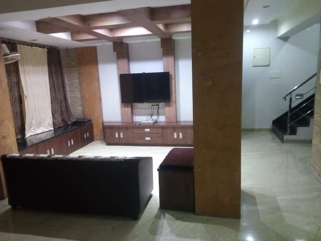 A place in navi mumbai for married couple stay
