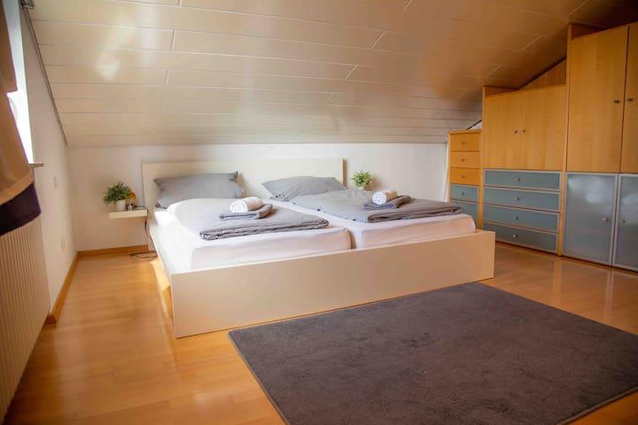 Doppelbett 1,80x200