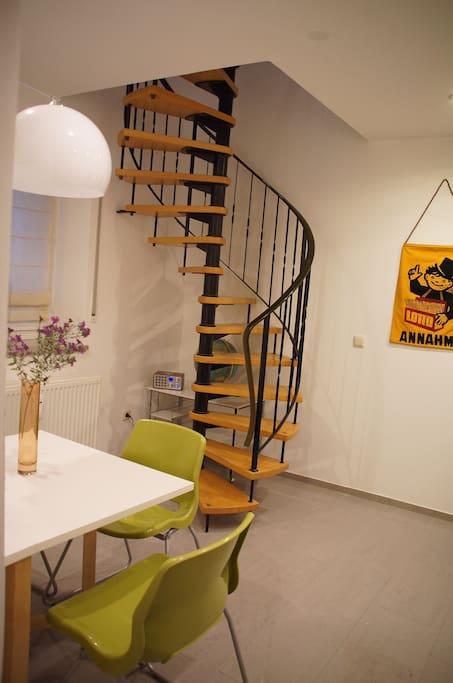 augsburg g ggingen maisonette wohnung mit balkon wohnungen zur miete in augsburg bayern. Black Bedroom Furniture Sets. Home Design Ideas