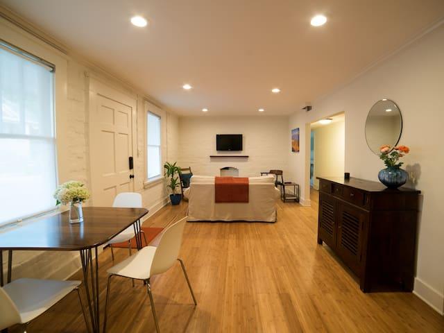 Bright Grant Park Apartment