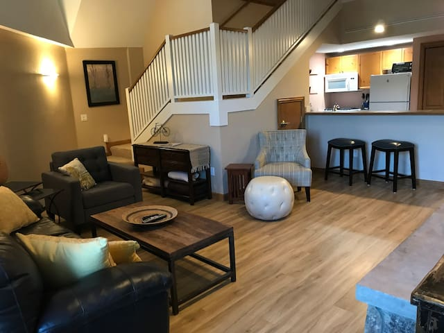 Ski Condo-Great Location / Minutes to Beaver Creek