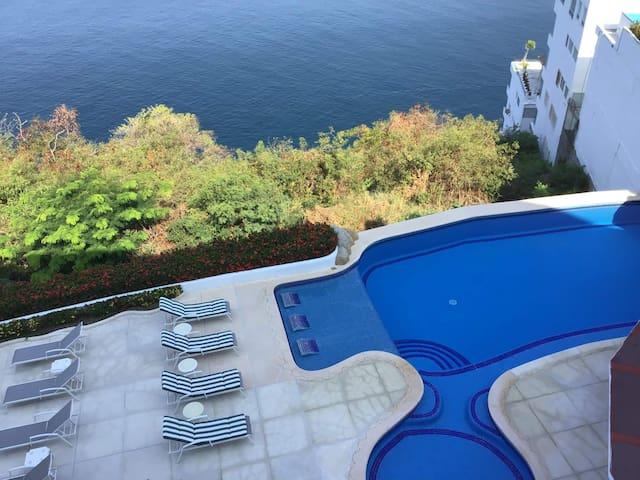 Enjoy Paradise in Acapulco with Panoramic views