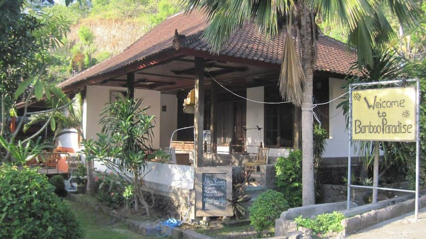 Bamboo Paradise Guesthouse and Dorm - Manggis