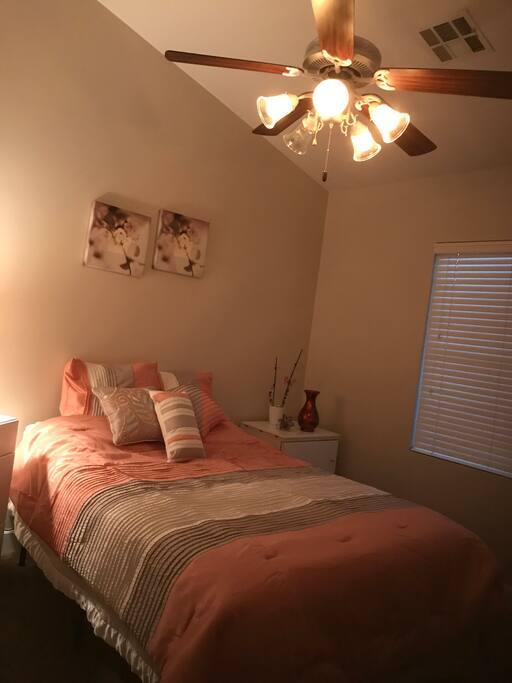 Queen size-Bedroom #1
