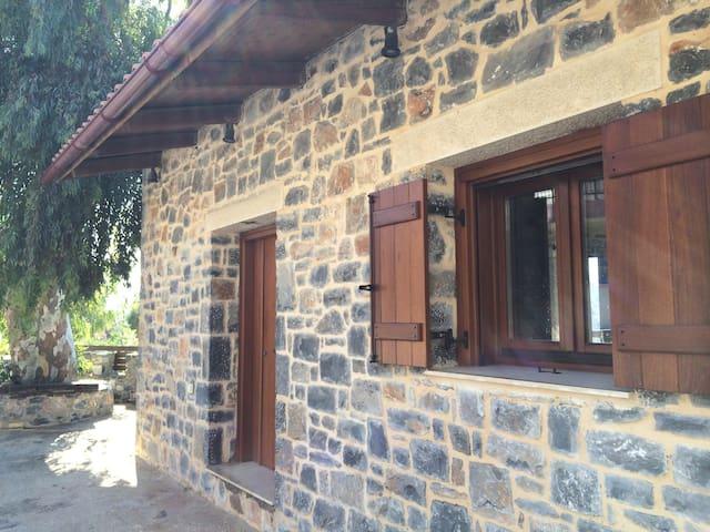 Παραδοσιακό Κρητικό Σπίτι 'Η Παράγκα του Οδυσσέα' - Damasta - House
