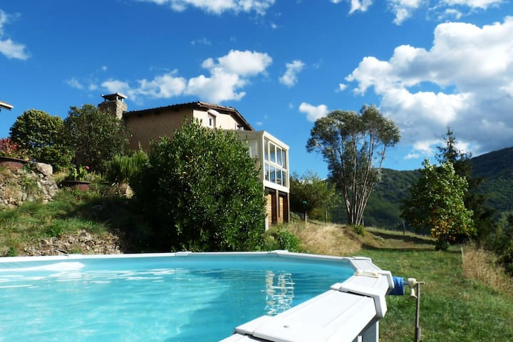 Detached holiday home (120 m2) in a beautiful location, with breathtaking view