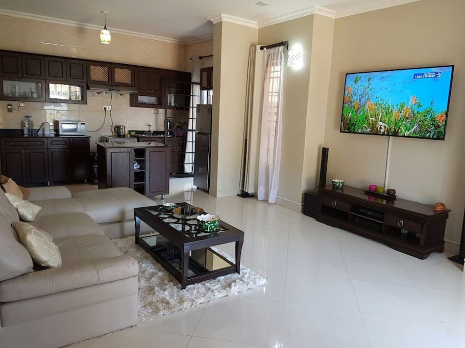Cable TV containing many entertainment channels, sports and news channels. Open kitchen and all other amenities are provided including free wifi available 24 hours.
