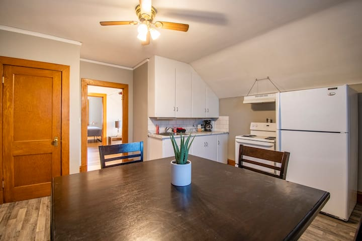 Roomy 2 BD 1 BA Blackstone + Downtown Events! (#5)