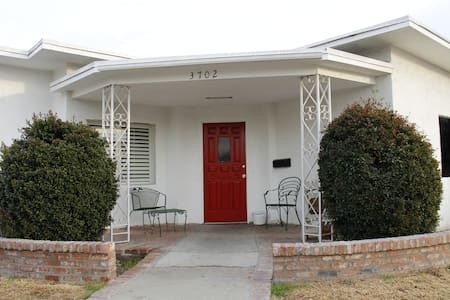 10-2 bed Mixed Dorm in Cimarron House - Los Angeles - Bed & Breakfast