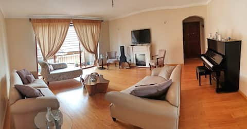 Stunning 1 bedroom with Sun Porch in Valley Arcade