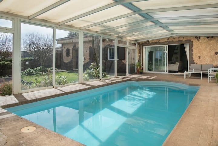 Espectacular villa con piscina almacanarias.rural