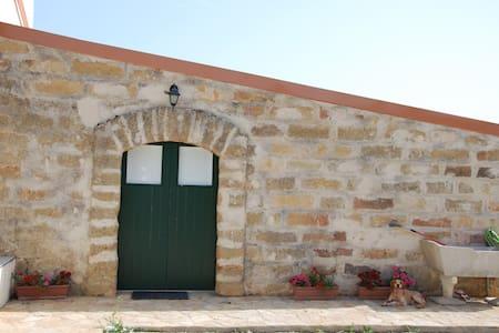 Ciavolo's Cottage - Marsala - Rumah tumpangan alam semula jadi
