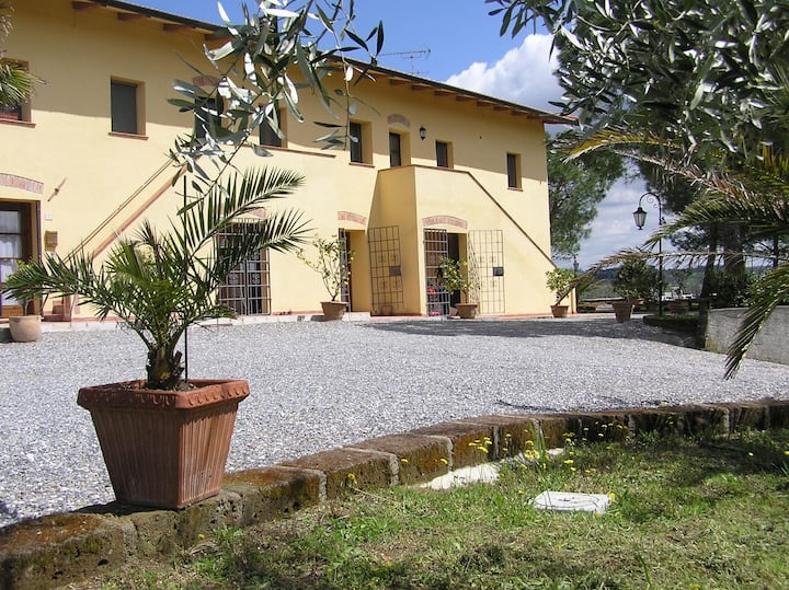 Lodging on the Tuscan rolling hills, margherita