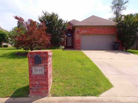 The Green Mile - Comfortable home in Little Rock