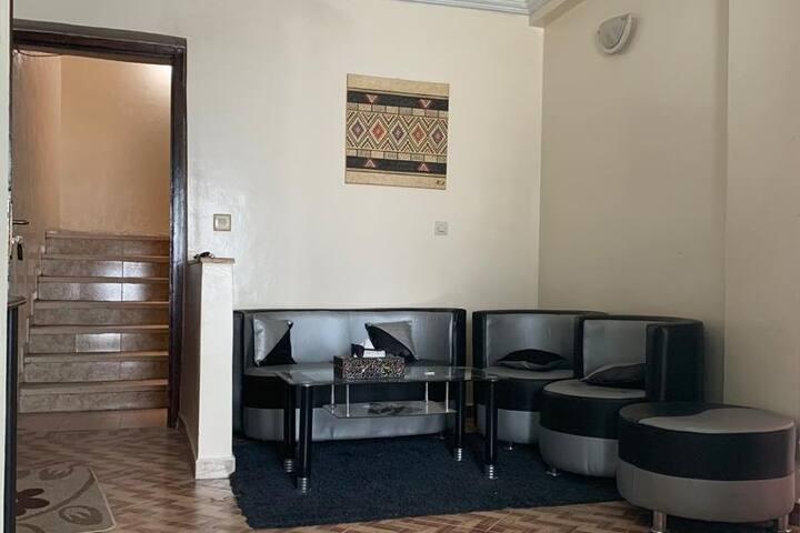 Appartement 2 chambres et séjour bien équipé