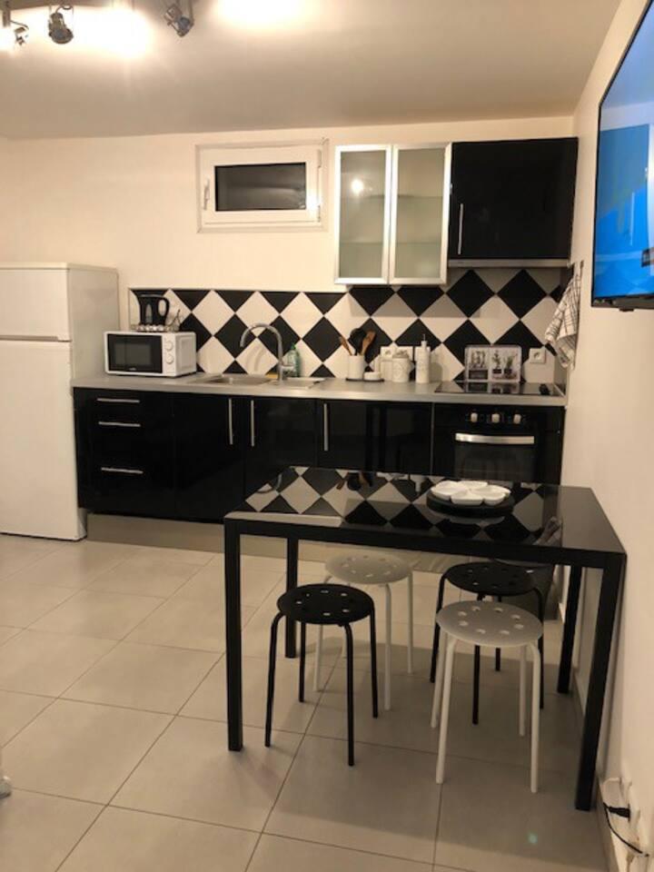 Appartement 2 pièces 27m2 à 15 mm de Paris