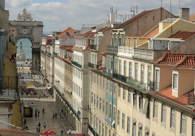 Home in Lisbon - Cosy duplex at Lisbon center!