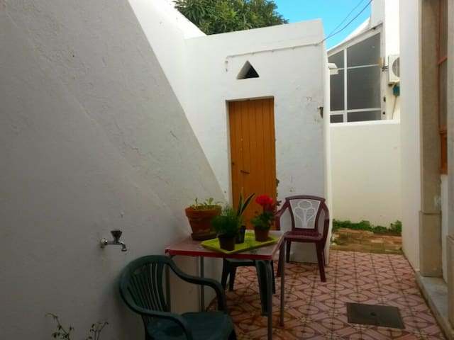 Cozy double room in the City center - Faro - House