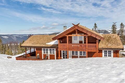 Gaustablikk Mountain Lodge. Ski in, ski out