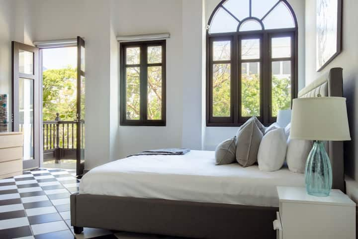 San Francisco Suite | 1 Bedroom in best location in Old San Juan with Plaza View