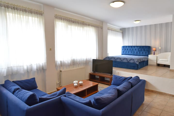 A Modern Bright Studio In The Center Of Kastoria