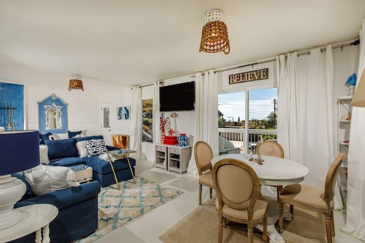 Adorable Del Mar Beach Cottage