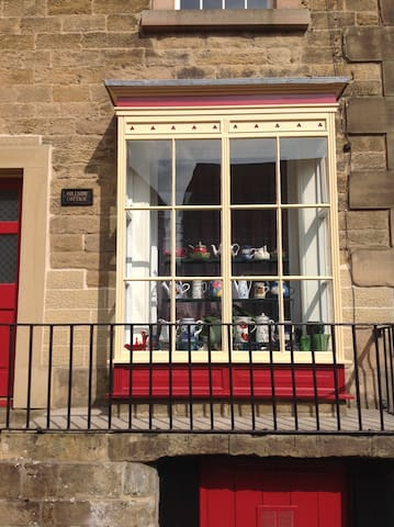 Hillside Cottage, North Church Street, Bakewell - Bakewell - Townhouse