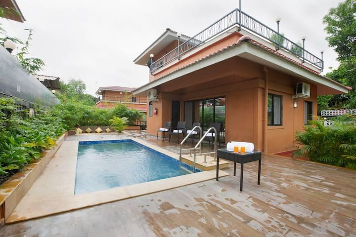 3 BHK Pool Villa 2hrs from Mumbai , Fully Staffed