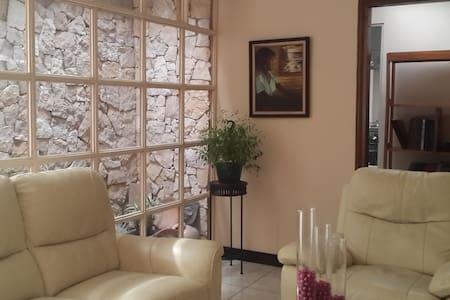 Shared Room for 2 - San José - Hus