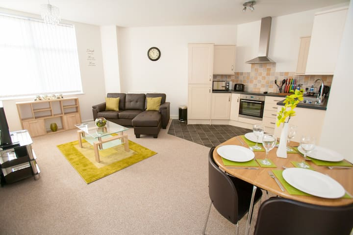 Hamilton Grace - Anaia Apartment - Swindon - Appartement