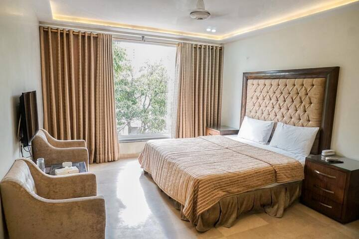 Executive Deluxe Room - Gulberg 2 Lahore