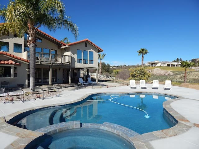 Gorgeous Wine Country Home with 4 Master Suites - Temecula - Casa