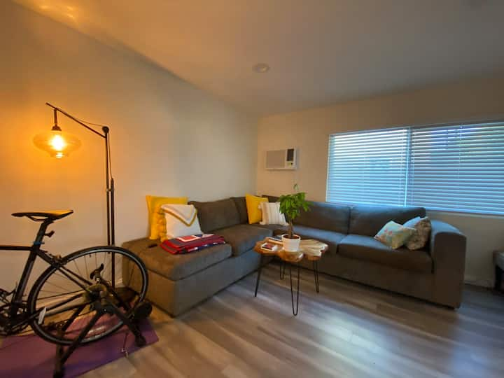 Pasadena/Alhambra - FULL APARTMENT w/ TWO ROOMS
