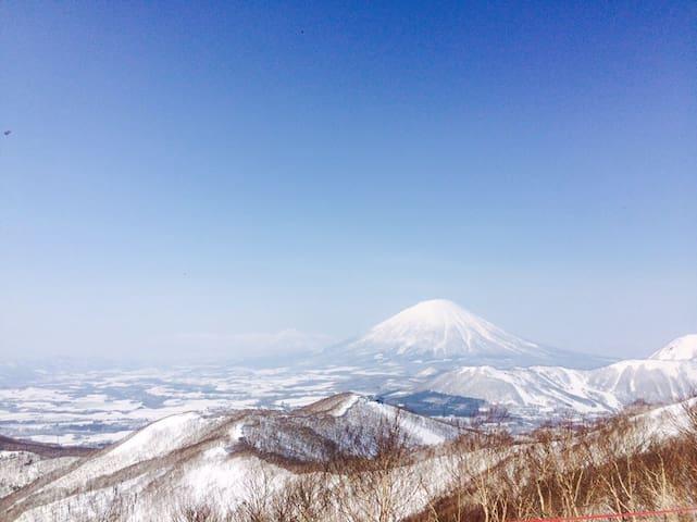 Rusutsu スキー場に近い小さな宿 ① trishuli house