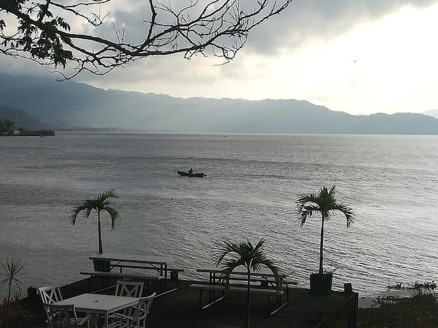 La mejor vista del Lago y las montañas... H#4