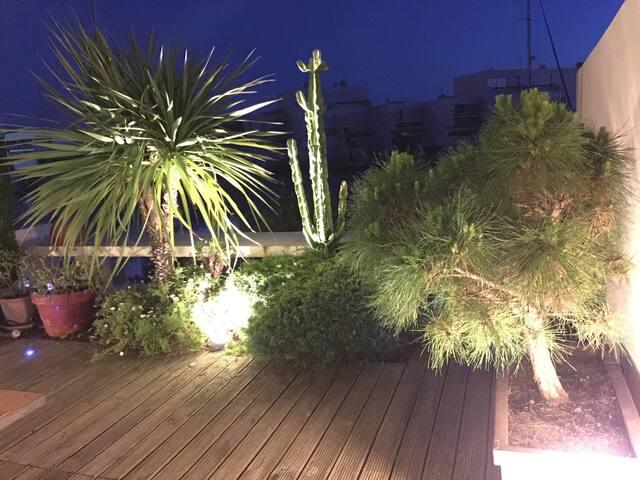la terrasse privée la nuit