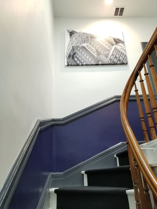Shared foyer & staircase