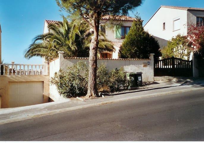 Villa 8 pers, piscine, 8 km mer, 5 min. Canal Midi - Béziers - Huvila