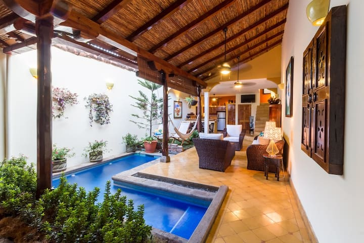 The size of Casa Romantica is perfect for single travelers, couples, groups of friends or families with kids. Large enough to give you everything you need from an entire home, but small enough to feel cozy and comfortable.