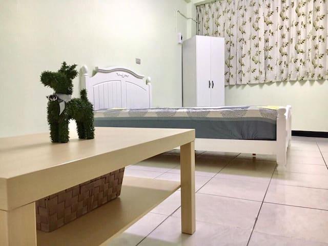 二月公寓February Apartment  綠油油雙人套房 - 嘉義市 - Huis