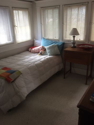 Cozy single room in artsy home - Louisville - Bed & Breakfast