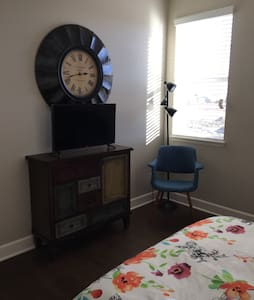 Guest room with double bed. - Colorado Springs