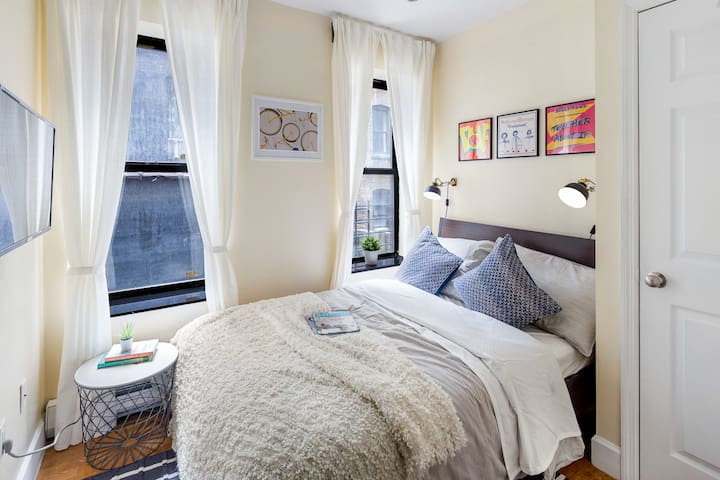 Artsy Private Bedroom in Upper West Side 107 4-3