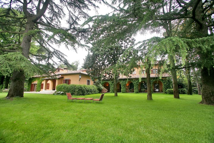 Villa Cardinale - A five star retreat near Rome - Sacrofano - Villa