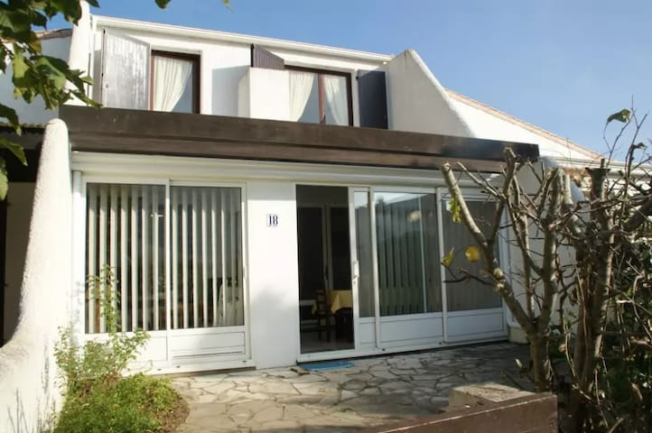 House - 500 m from the beach - Saint-Jean-de-Monts - Huis